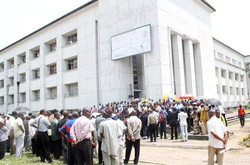 Article : Ces fonctionnaires congolais qui souffrent du « SIDA »