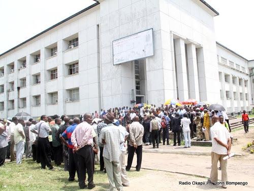 Ces fonctionnaires congolais qui souffrent du « SIDA »